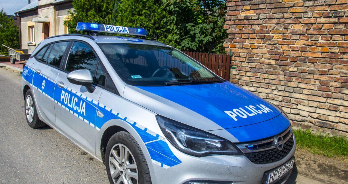 Dzięki zaalarmowaniu policji przez mieszkańca zatrzymano nietrzeźwego kierowcę