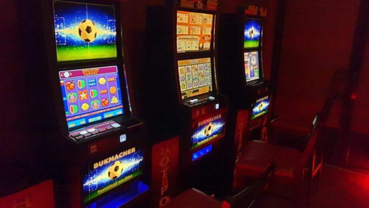 Policjanci i celnicy zabezpieczyli automaty do gier hazardowych