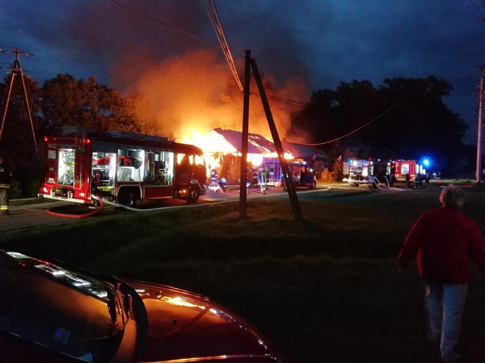 Pożar dwóch domów i budynku gospodarczego w Niedzieliskach