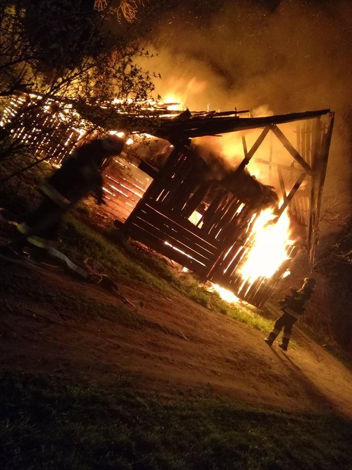 Wywołał pożar i uciekł, po czym wrócił na miejsce i przyglądał się akcji gaśniczej