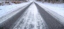 Trudne warunki na drogach – policjanci apelują o ostrożność