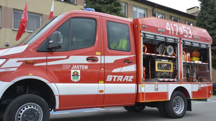 OSP Jastew z nowym samochodem pożarniczym [ZDJĘCIA]